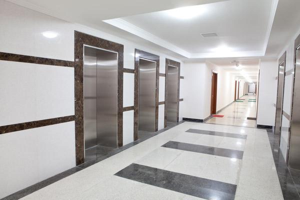 thang máy của chung cư 48 trần duy hưng